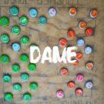 ルワンダの農村でなんか将棋みたいなゲームやってた。Dame(ダーメ)って言うらしい。